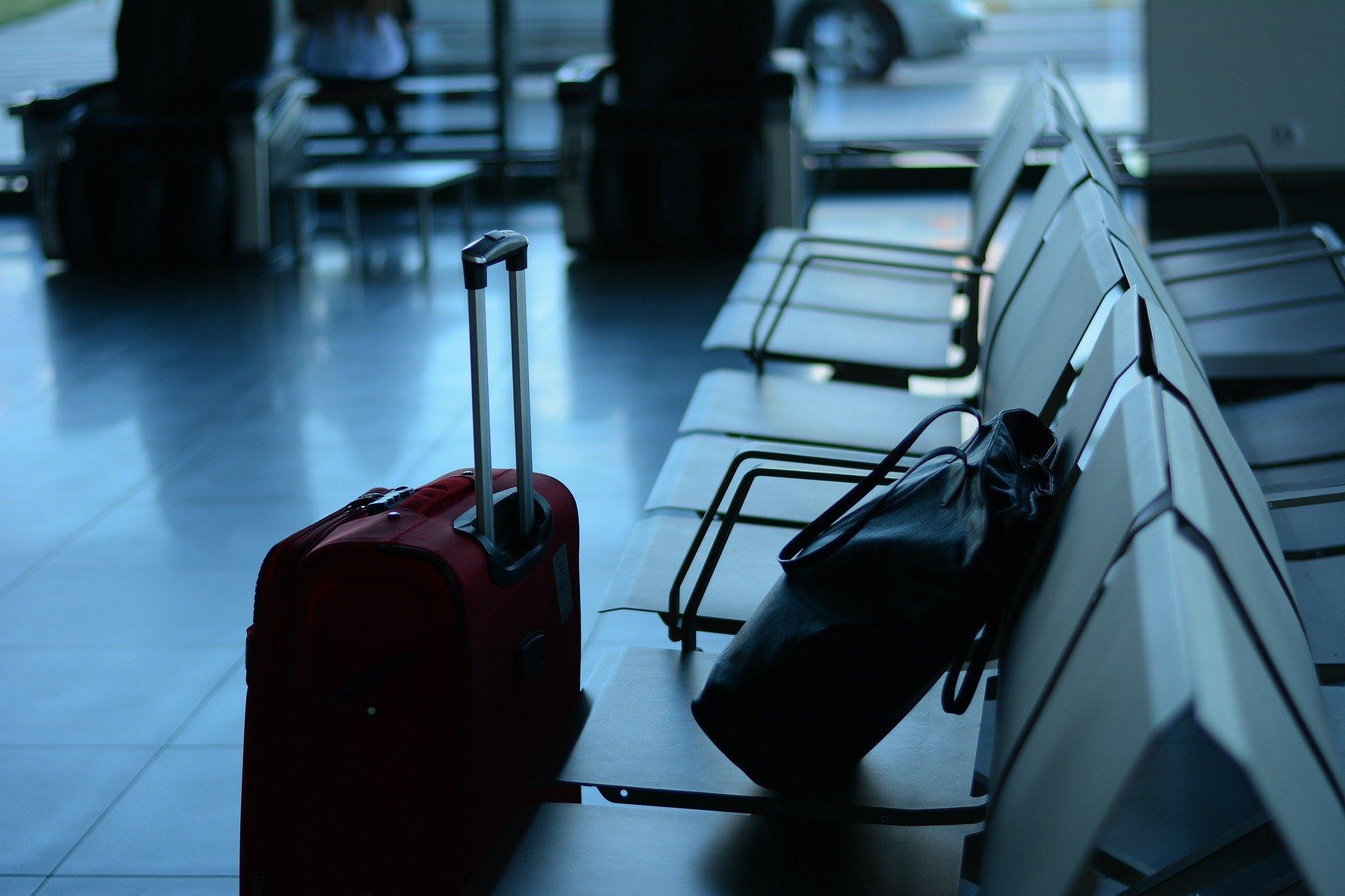 Bagage venter i lufthavn