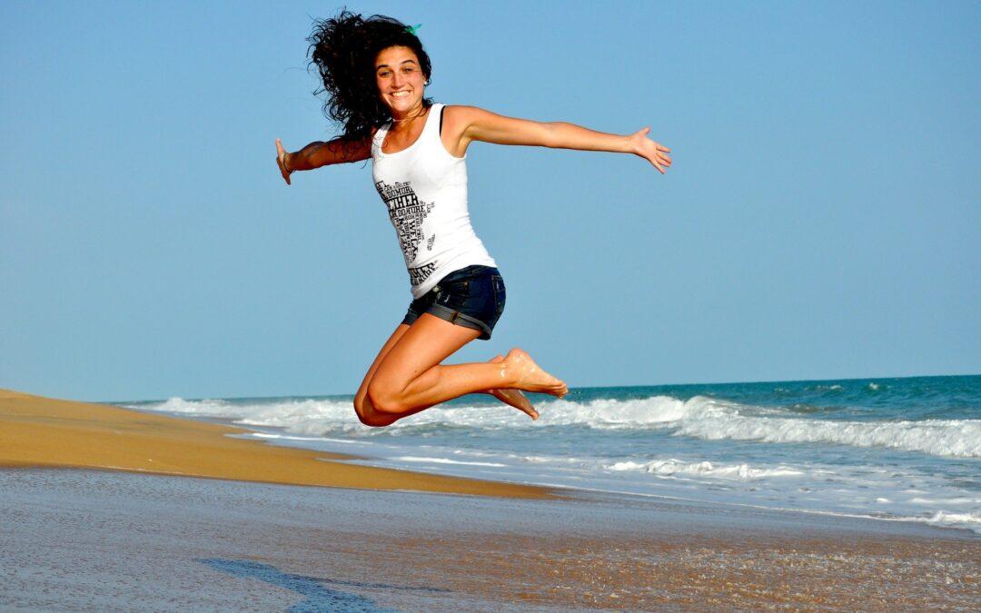 kvinde på strand